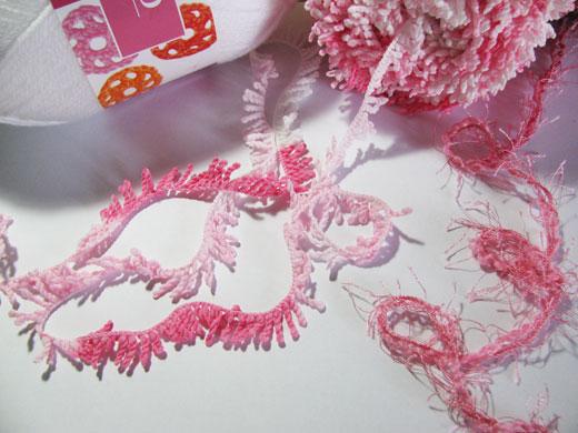 Free knitted sheep pattern - pink yarn