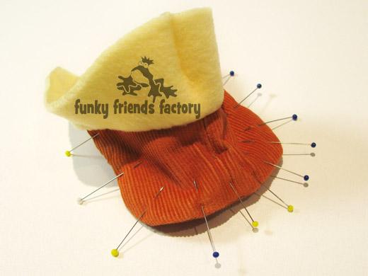Duck toy sewing pattern tutorial - beak pin