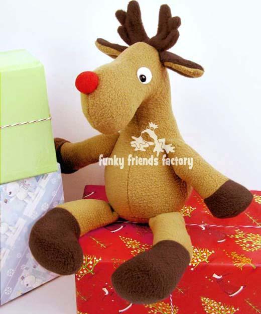 Reggie-Reindeer-Christmas-sewing-pattern