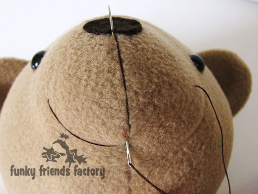 how to make a teddy bears mouth