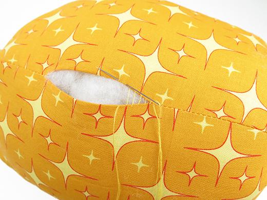 sew pineapple cushion closed