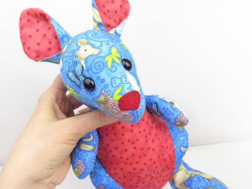 sew kangaroo toy nose