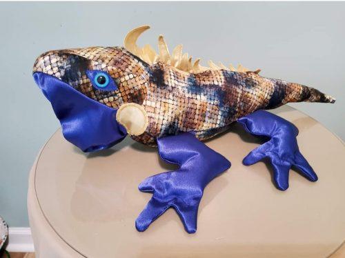 Igor iguana pattern sewn by kitpeterson