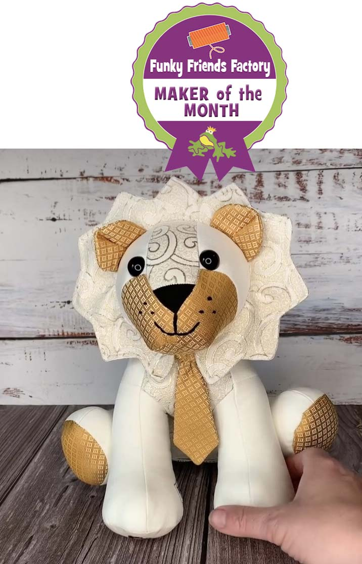 Lion Pattern sewn by LizzyN-B