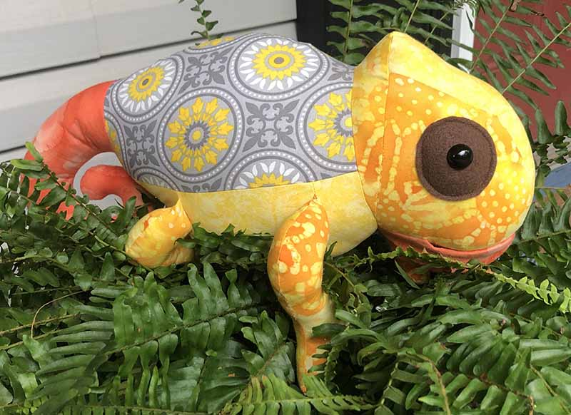 Chameleon Pattern sewn by Cassandra Helzer- LovelyCuddles Quilting and Crafts